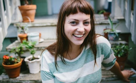Shut Up Kiss Me! Komu asi? (Angel Olsen)