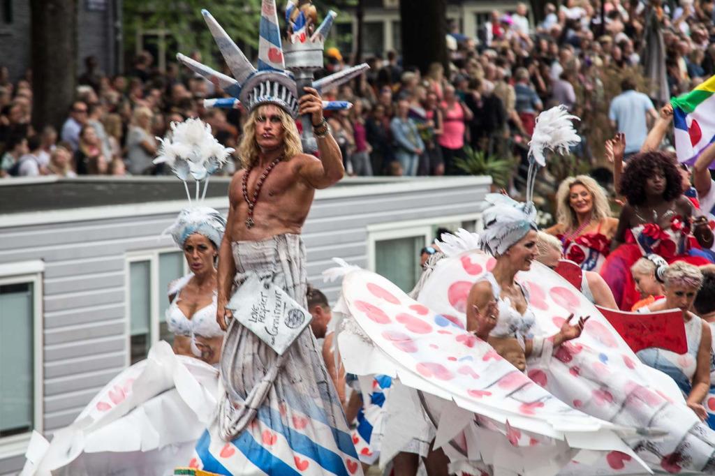 Gay Pride ve svém okolí nabízí řadu hotelů a dalšího ubytování.