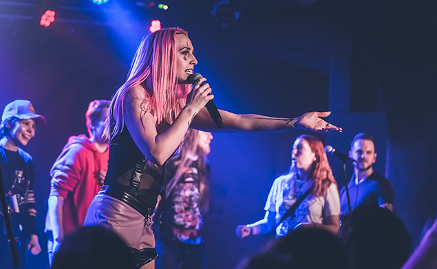 Icon for Hire + Halflives, 6.3.2020, Futurum Music Bar, Praha