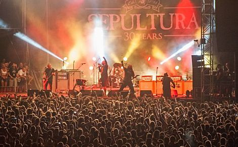 Groupensex s brutalitou - Brutal Assault 2015